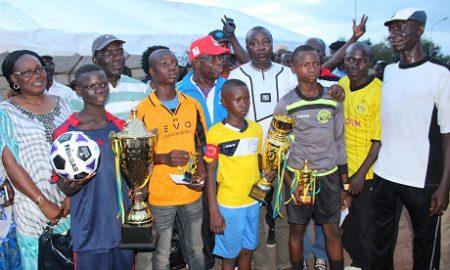 Les vainqueurs récompensés par le maire et le SG1 de la préfecture